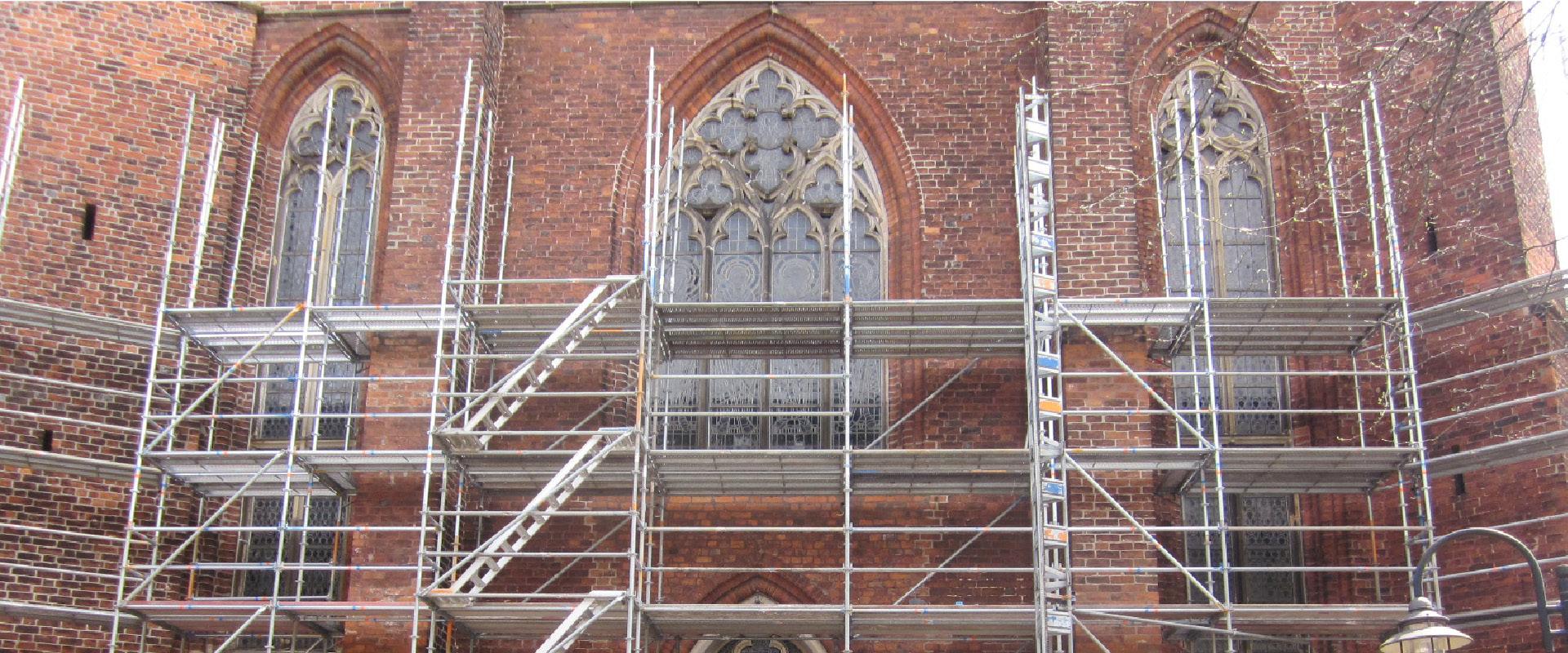 Fassadengerüst Kirche